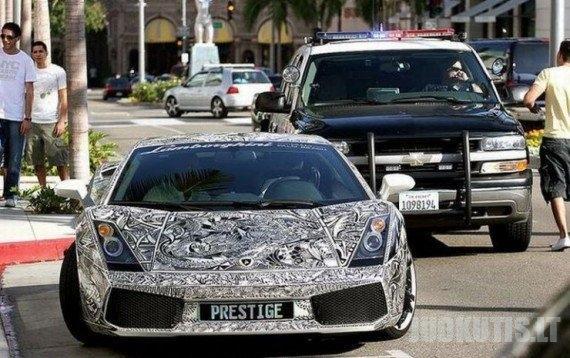Įdomiai nudažytas Lamborghini (15 nuotraukų)