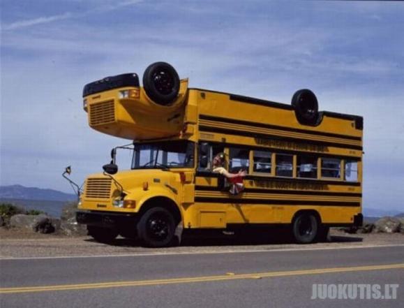 Meniškas mokyklos autobusas