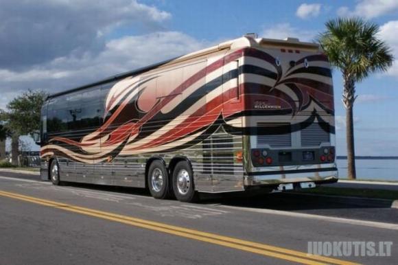 Prabangus autobusas