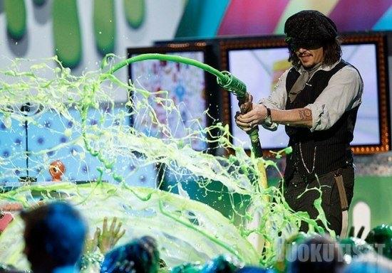 Žalios gleivės dušas