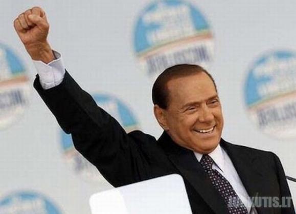Silvio Berlusconi gestai