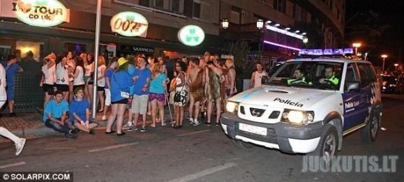 Britų studentai atostogauja Ispanijoje