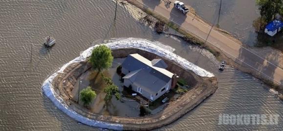 Potvynių išsaugoti namai