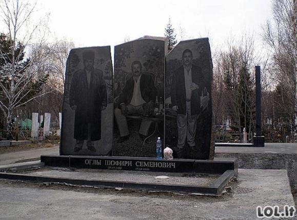 Įspūdingi Rusijos mafijozų antkapiai