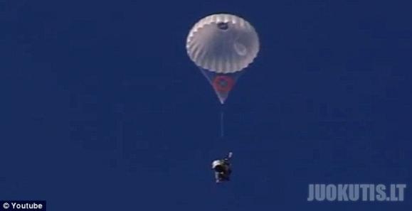 Skraidantis Jetpack, pakylo iki rekordinio aukščio