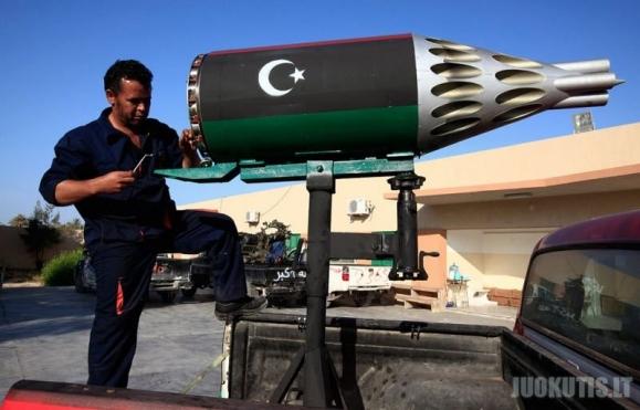 Libijos sukilėlių savadarbiai ginklai