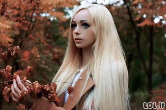 """Panelė panaši į lėlę """"Barbie"""""""