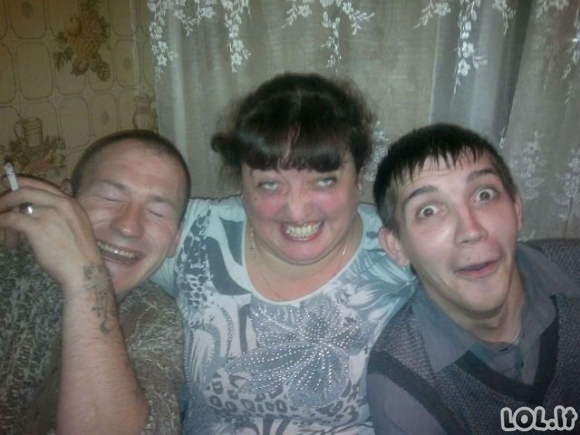 Rusai šturmuoja Facebook'ą [26 FOTO]