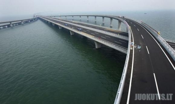 Kinija stato milžiniškus tiltus
