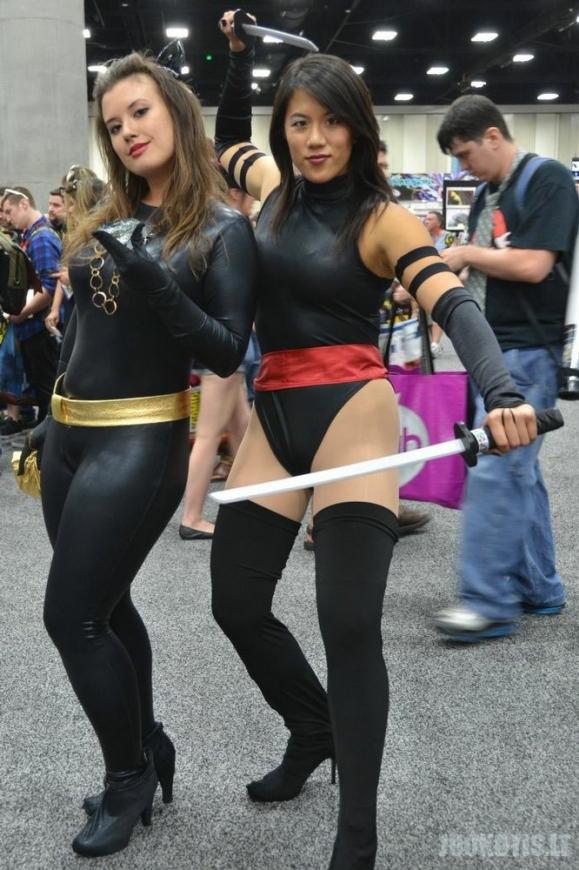 Panelės cosplay\'ina :)