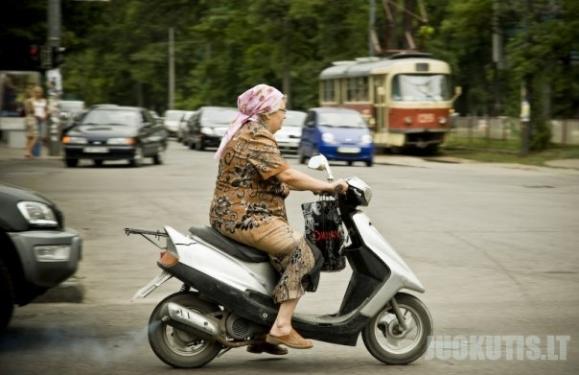 Kieta močiutė