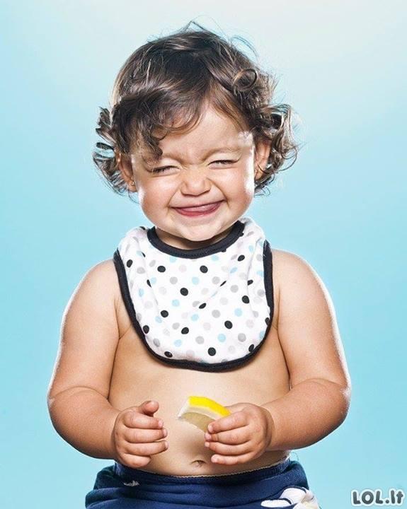Vaikų reakcijos pirmą kartą paragavus citrinos