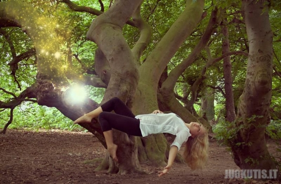 Levitacija nuotraukose