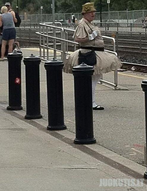 Kaip jie gali išeiti į gatvę taip apsirengę?