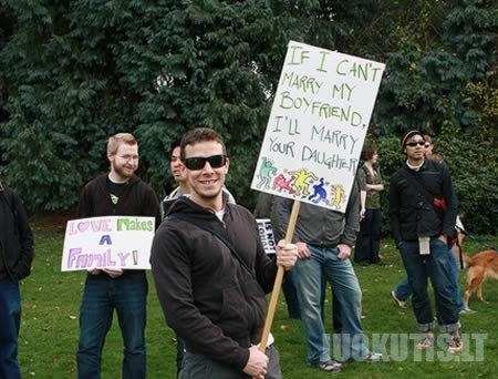 15 juokingiausių protesto ženklų
