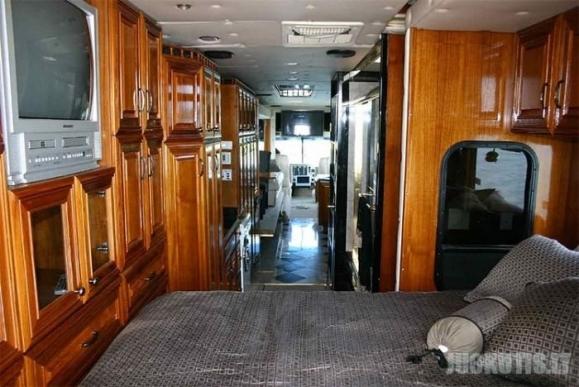 Autobusas-amfibija