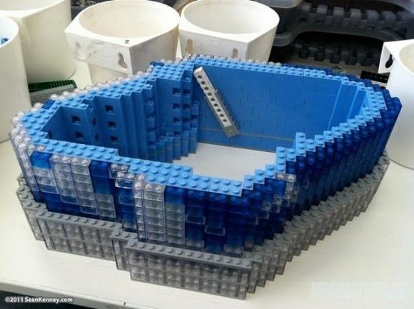 LEGO dangoraižis