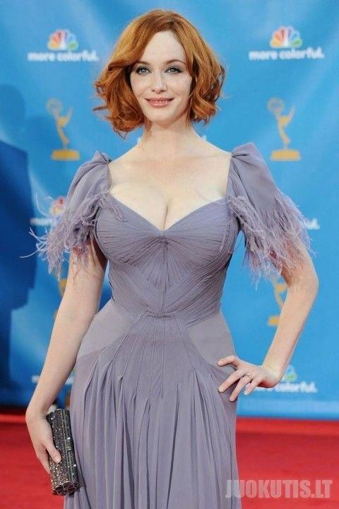 Emi statulelė: už gražiausią krūtinę