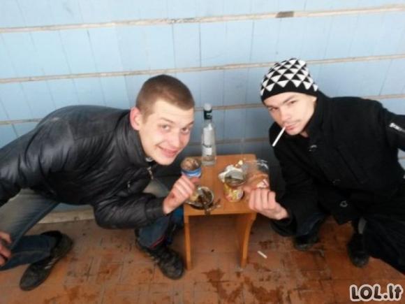 Rusai socialiniuose tinkluose