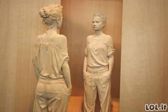 Neįtikėtinos skulptūros iš medžio