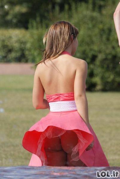 Vėjo išdaigos merginoms