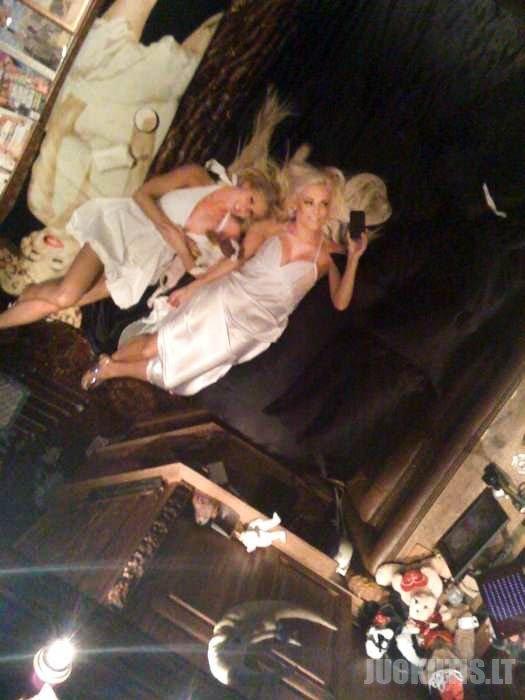 Playboy įkūrėjo vestuvės neįvyks