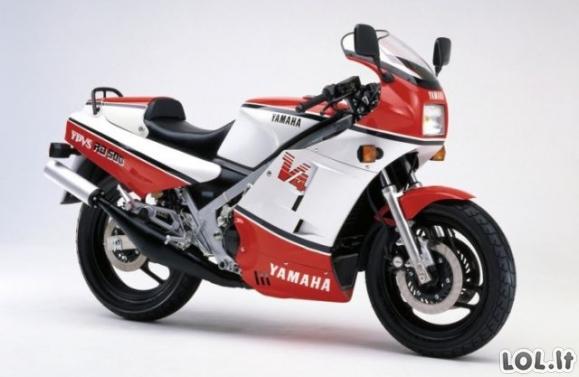 Naujutėlaitis motociklas 30 metų buvo nė neišpakuotas