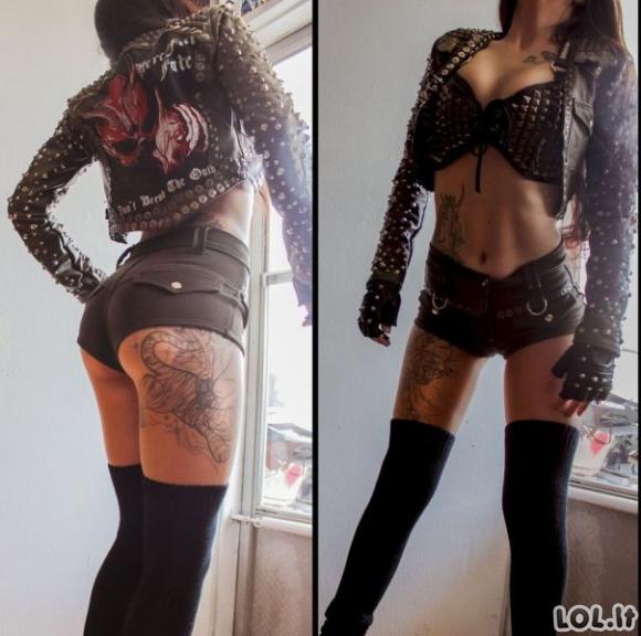 Tatuiruotos ir be galo karštos merginos