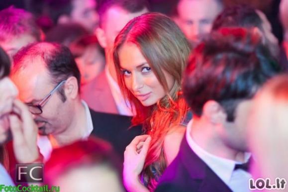 Karštos rusaitės naktiniuose klubuose