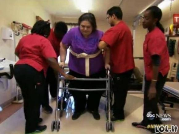 Moteris, kuri numetė 363 kilogramus