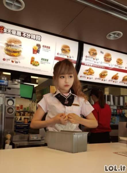 Gražiausia McDonald's pardavėja pasaulyje?