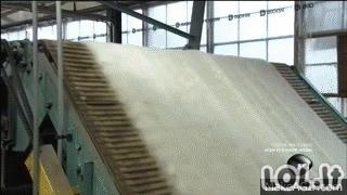Nesibaigiantys GIF iš gamyklų