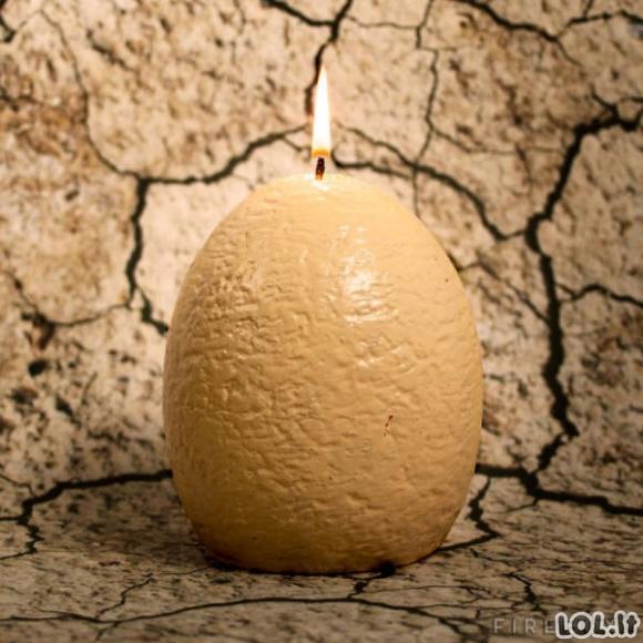 Kiaušinis-žvakė su netikėtų siuprizu