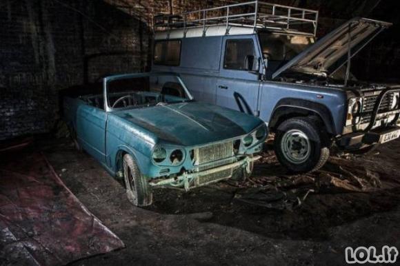 Atrastas automobilių kapinynas