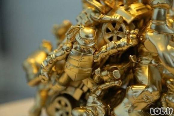 Kaip iš senų žaislų pasigaminti nuostabią lempą
