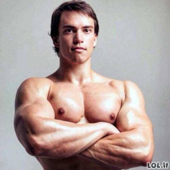 Rusijoje auga Švarcnegerio klonas