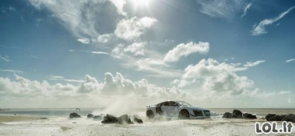 Biudžetinis Audi R8 fotosesijos variantas