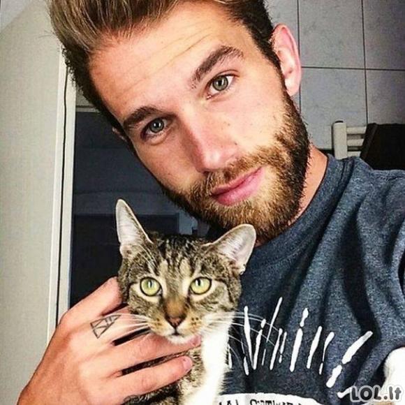 Vyrai su katukais
