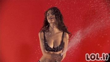 Emily Ratajkowski seksualūs GIF'ai