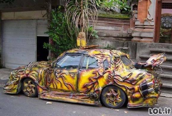 Keisčiausi užmatyti automobilių patobulinimo atvejai
