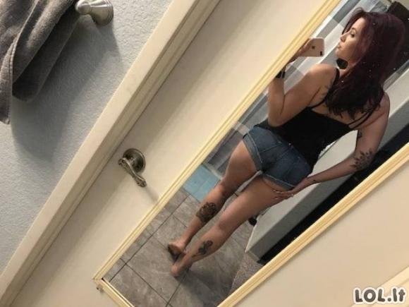 Karštos merginos - karšti užpakaliukai