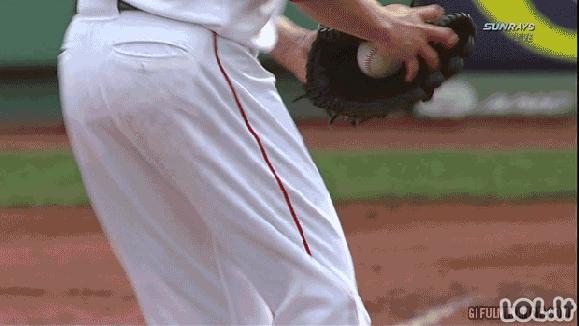 Beisbolo FAIL'ų GIF'ai