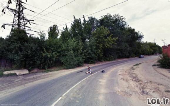 """Įdomiausi """"Google Street View"""" užfiksuoti vaizdai"""