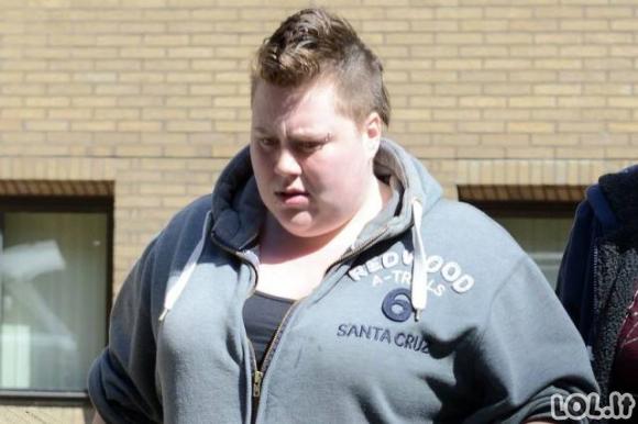 Moteris 15 vyrų apkaltino ją prievartavus. Paaiškėjo, kad visa tai ji išsigalvojo.