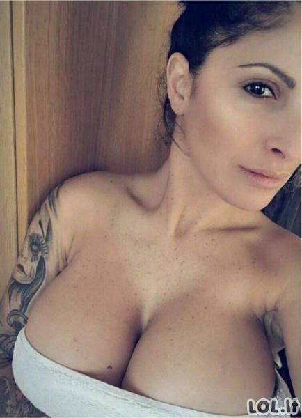 Karštos ir putlios krūtinės [N-18]