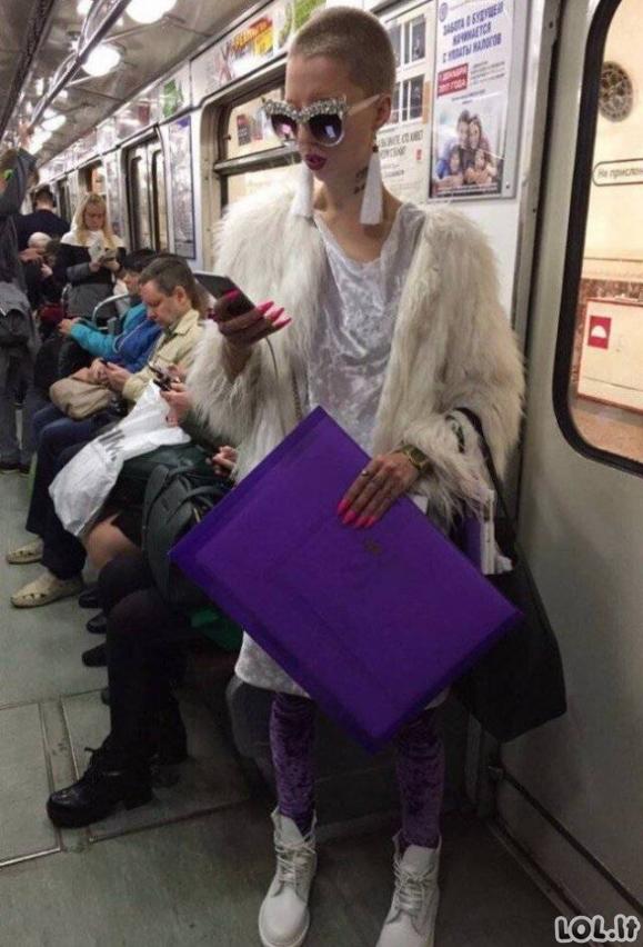 Tragiškiausi apsirengimo stiliai, prigauti mieste [GALERIJA]