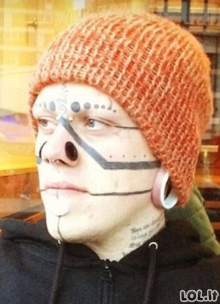 Žmogus - tatuiruotė