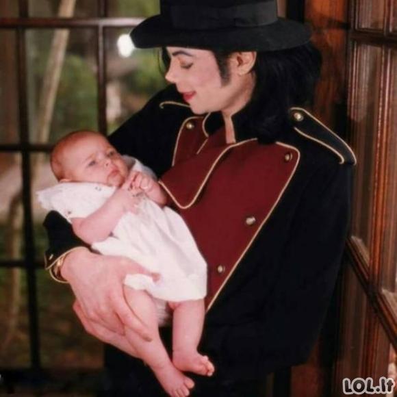 Kaip dabar atrodo Džeksono dukra?
