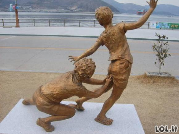 WTF skulptūrų rinkinys [23 FOTO]