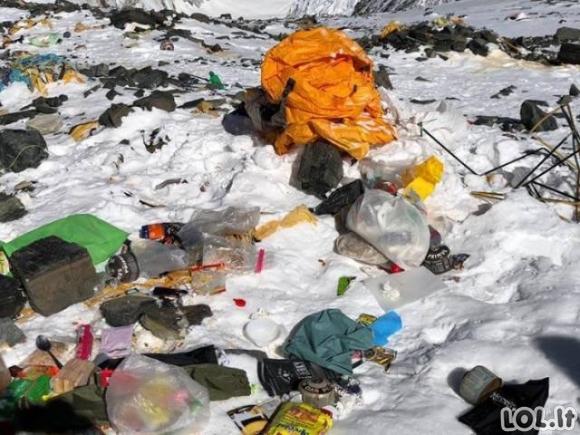 Sužinokite, kokią žalą gamtai daro žmonės Everesto viršūnėje